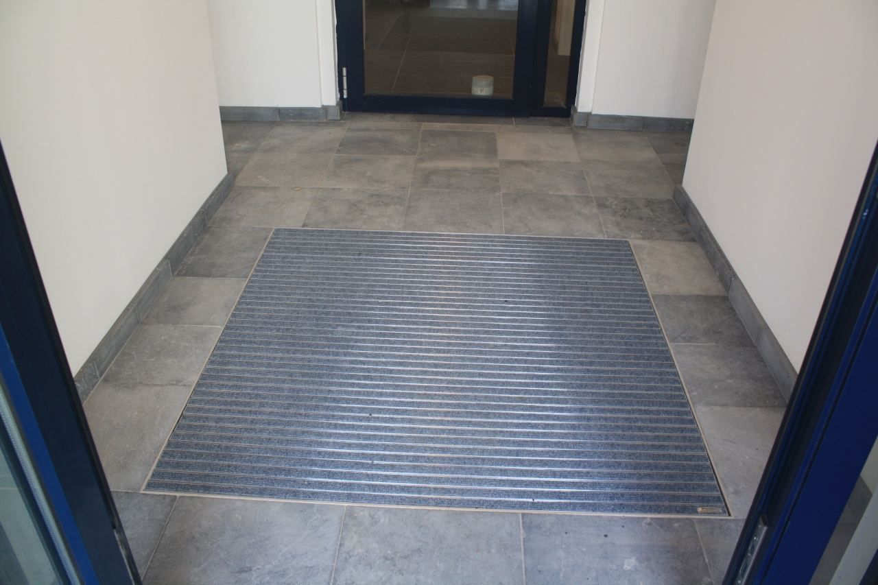 Quevrin carrelage durnal for Carrelage entree